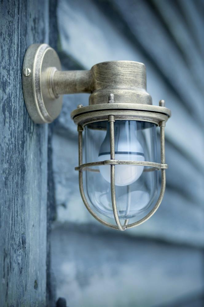 putdoor-ship-light
