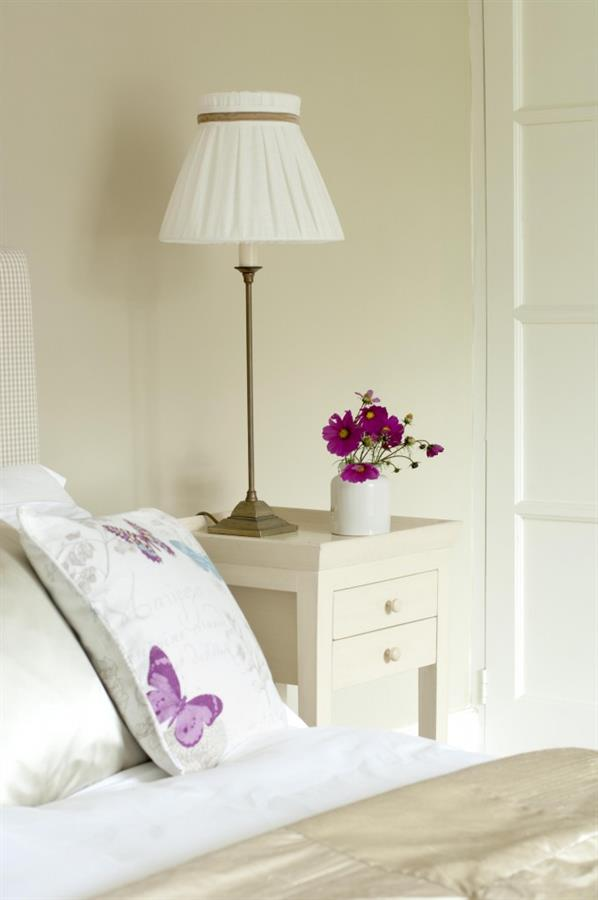 Bedroom-table-lamp-2-680x1024