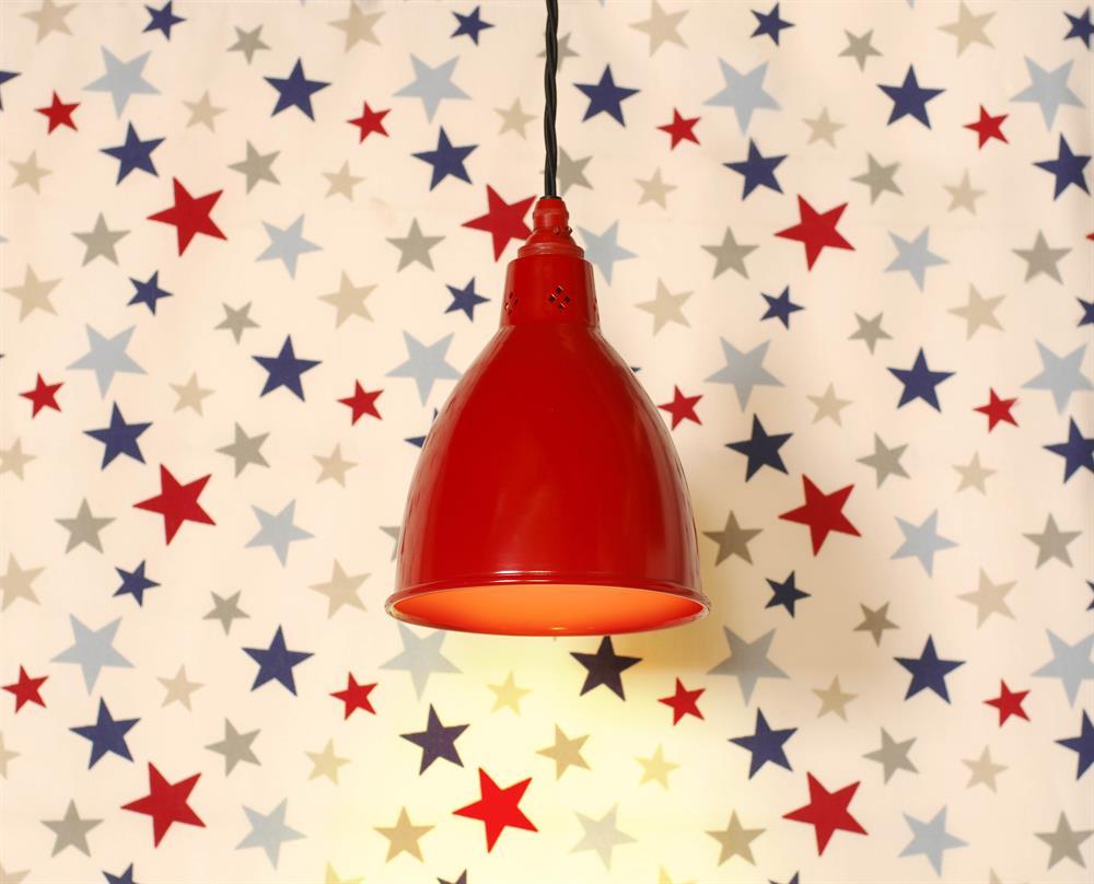 red-pendants-light